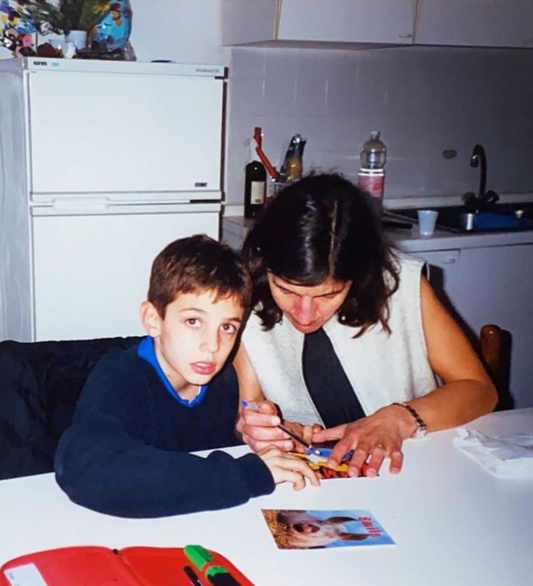 Achille Lauro da bambino con la mamma