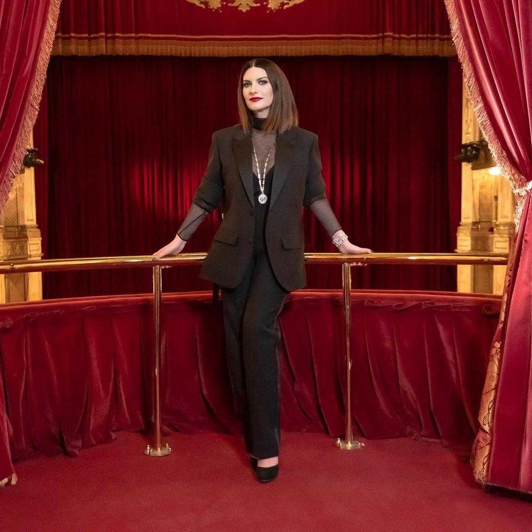 Laura Pausini in Valentino Haute Couture