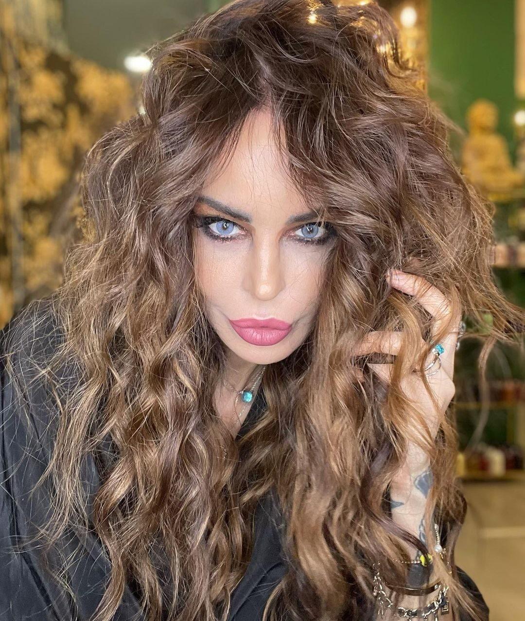 El nuevo look de Nina Moric