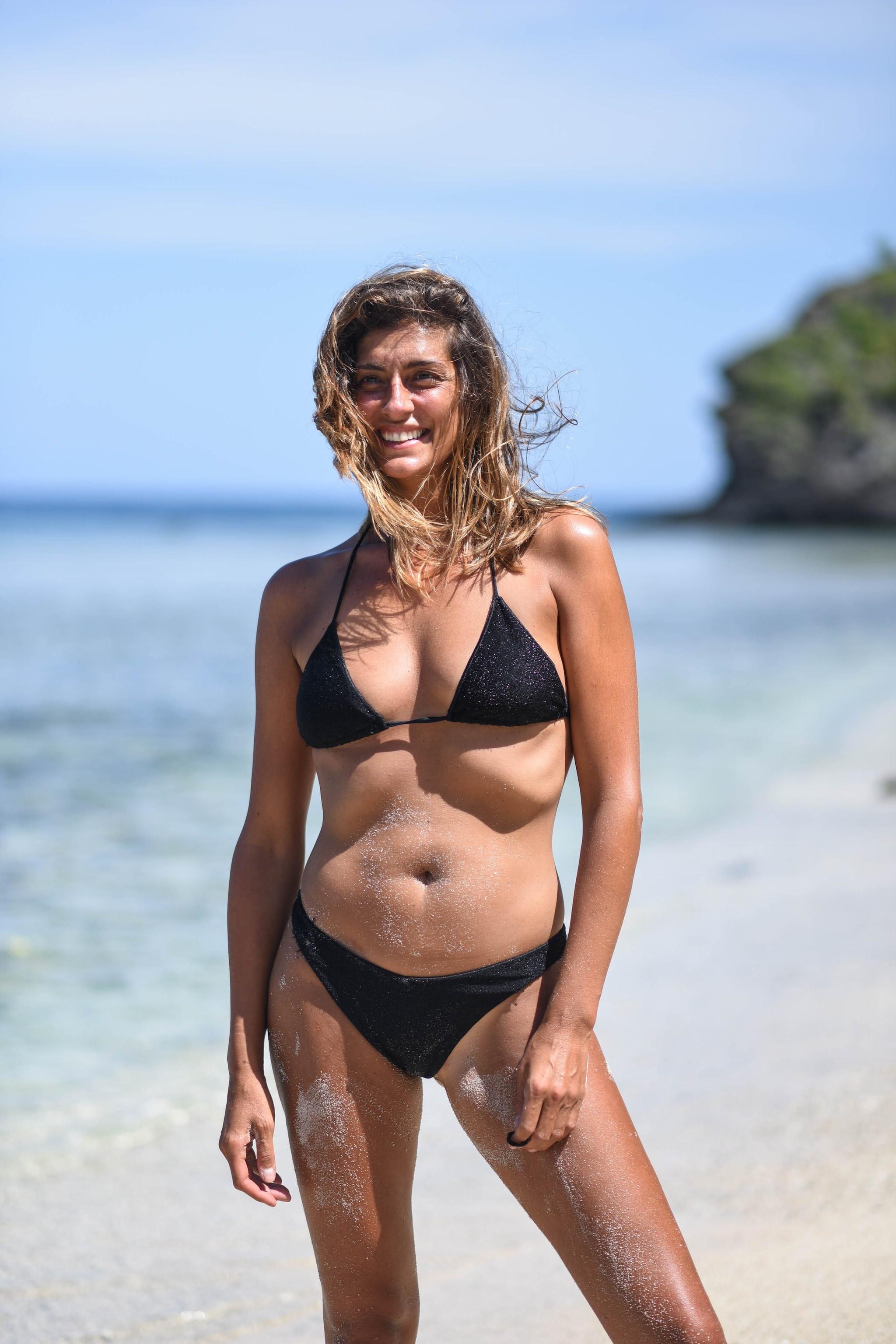 Elisa Isoardi in bikini a L'isola