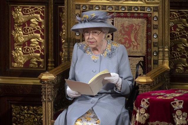 Regina Elisabetta all'apertura del Parlamento