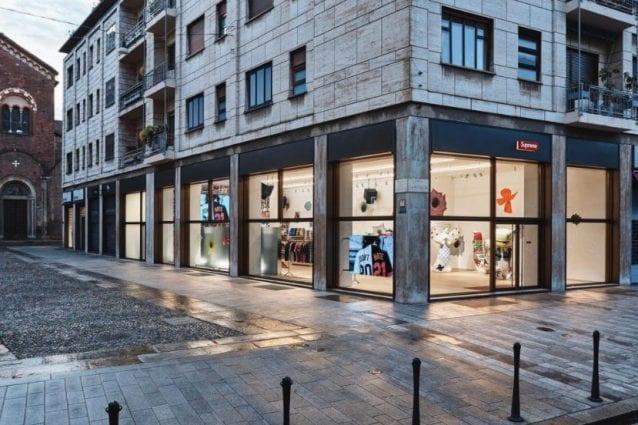 Il negozio Supreme a Milano