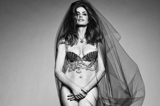 Cindy Crawford sulla copertina di Vogue Brasil