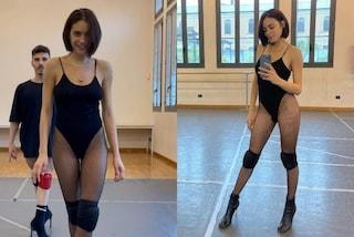 Elodie, lezioni di danza in body sgambato e calze a rete: è lei la Beyoncé italiana