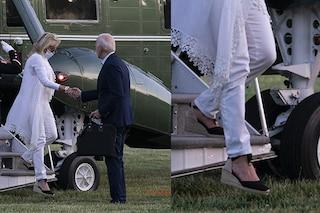 """Jill Biden, la prima first lady """"comoda"""": addio tacchi a spillo, indossa le espadrillas in estate"""