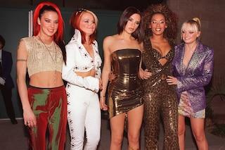 Zeppe, choker e ciocche colorate: se ci vestivamo così negli anni 90 era per copiare le Spice Girls