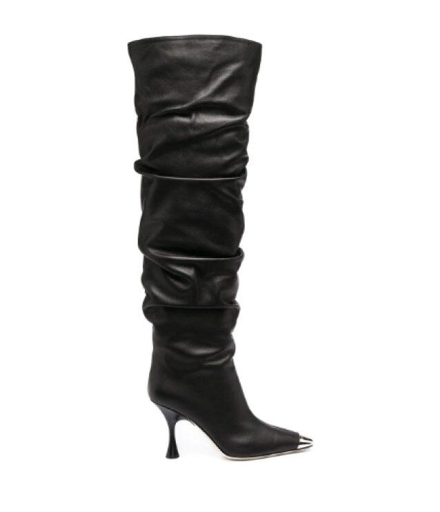 Gli stivali con la punta metallica di Sergio Rossi