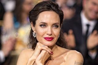 Angelina Jolie, il nuovo tatuaggio è in italiano e nasconde un profondo significato simbolico