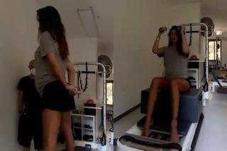 Belén Rodriguez si allena col pancione: il segreto per tenersi in forma in gravidanza è il pilates