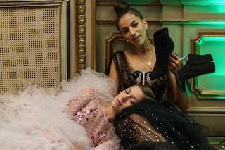 Cosa indossano i protagonisti di Élite: i look sofisticati e punk della quarta stagione