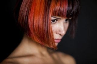 Come lavare i capelli colorati: 5 errori da evitare per mantenere il colore più a lungo