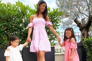 Federica Nargi è una mamma trendy: segue la mania mini-me con gli abiti coordinati alle figlie