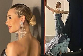 Ilary Blasi come una principessa a L'isola: finale con strascico di tulle e orecchini di cristallo