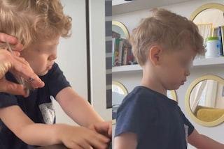 Il nuovo taglio di capelli di Leone: il cambio look casalingo del figlio di Chiara Ferragni e Fedez