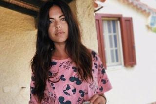 Pamela Camassa con il pigiama low-cost di Topolino: la fidanzata di Filippo Bisciglia è una di noi
