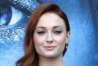 Sophie Turner come Sansa Stark: torna ai capelli rossi per la prima volta dopo Game of Thrones
