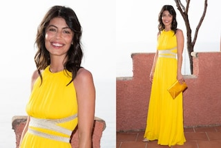 Alessandra Mastronardi torna alle sfilate: l'abito giallo da dea è il più elegante dell'estate 2021