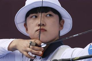 Olimpiadi di Tokyo, campionessa di tiro con l'arco nel mirino dei misogini: criticata per i capelli corti