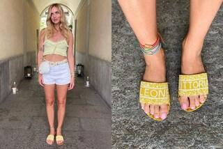 Chiara Ferragni dolce mamma: i nuovi sandali sono personalizzati con i nomi di Leone e Vittoria