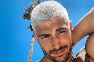 Ignazio Moser con i capelli bianchi: il nuovo (ed estremo) cambio look per la vacanza a Ibiza