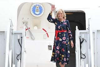 Jill Biden ricicla l'abito: la first lady ha la passione per la stampa floreale