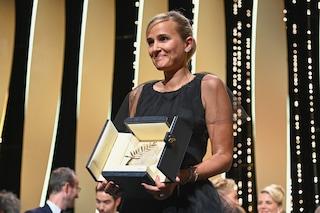 La regista Julia Ducournau fa la storia: è la seconda donna a vincere la Palma d'Oro a Cannes 2021