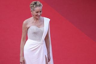 L'ultimo red carpet di Cannes 2021: Sharon Stone incanta in bianco, Valeria Golino brilla in nero