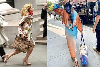 """La nuova Carrie Bradshaw è nostalgica: sul set """"ricicla"""" le scarpe pitonate di Sex and The City"""