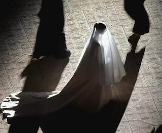 Kim Kardashian in abito da sposa all'evento di Kanye West: il finto matrimonio è haute couture
