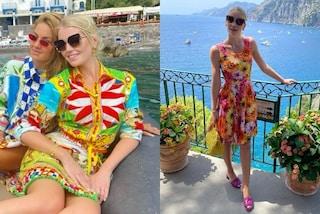 Kitty Spencer principessa senza tacchi: i look comodi e colorati per la vacanza in Italia