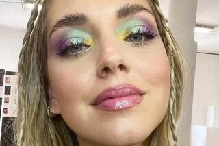 Chiara Ferragni lancia il trucco arcobaleno: il make-up da imitare nell'autunno 2021 è multicolor