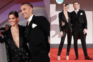 Briga e Arianna Montefiori a Venezia 2021: il red carpet di coppia è con i look coordinati