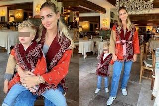 Chiara Ferragni in coordinato con Leone: per l'autunno rilancia il trend del maxi cardigan colorato