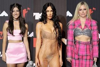 Mtv VMA's 2021, da Megan Fox con l'abito nude a Charli d'Amelio come Baby Spice: tutti i look delle star