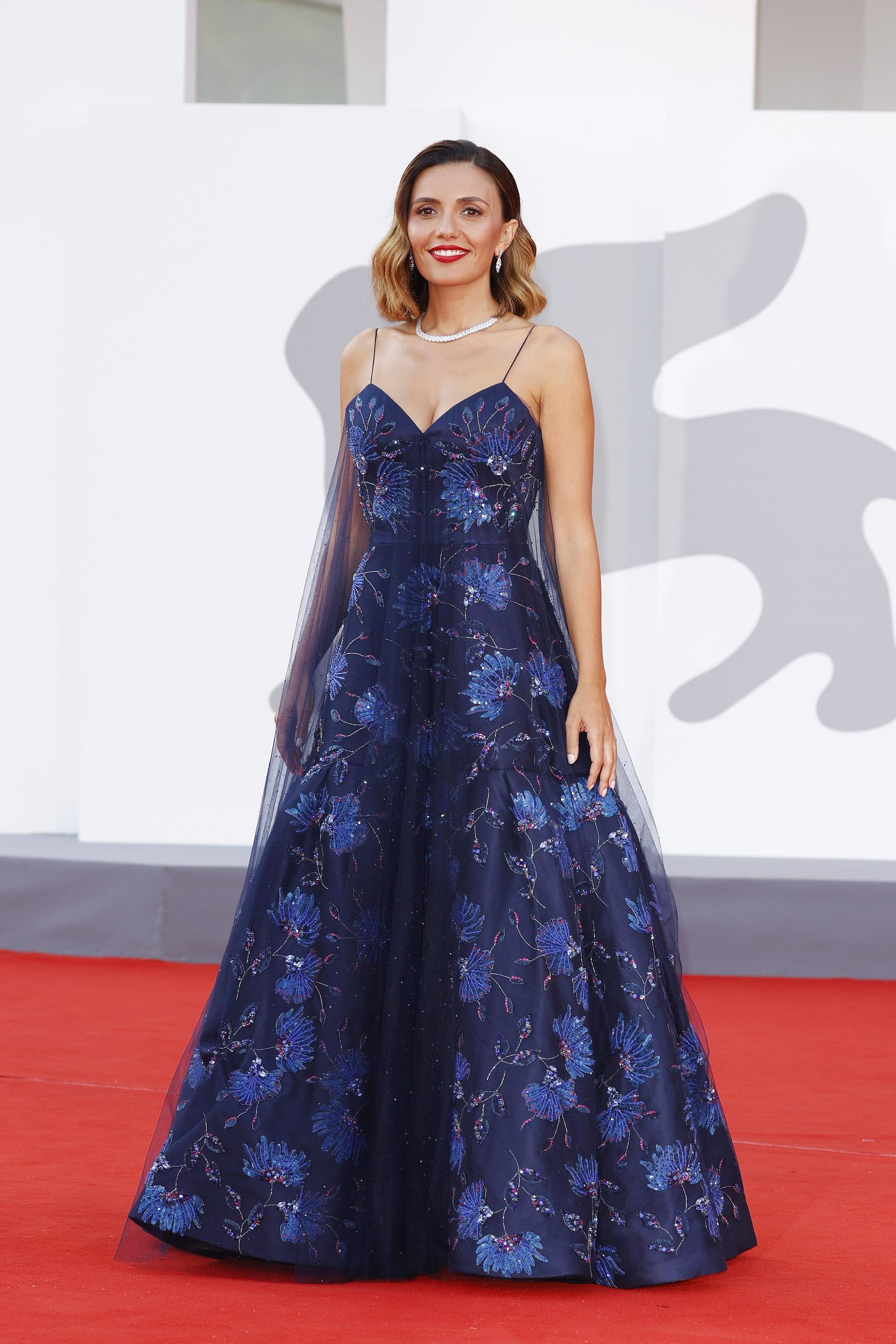 Serena Rossi dans Giorgio Armani Privé