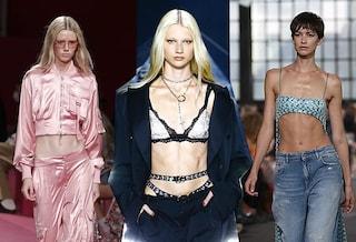 Sono tornati gli anni Duemila: da Dolce&Gabbana a Missoni vita bassa, slip a vista e micro top