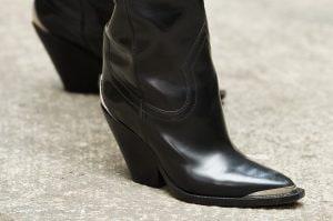 Gli stivali texani sono tornati e spopolano su TikTok: i modelli di tendenza per l'autunno 2021