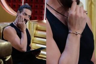 Alex Belli al GF Vip 6, il suo bracciale a forma di chiodo vale oltre 7mila euro