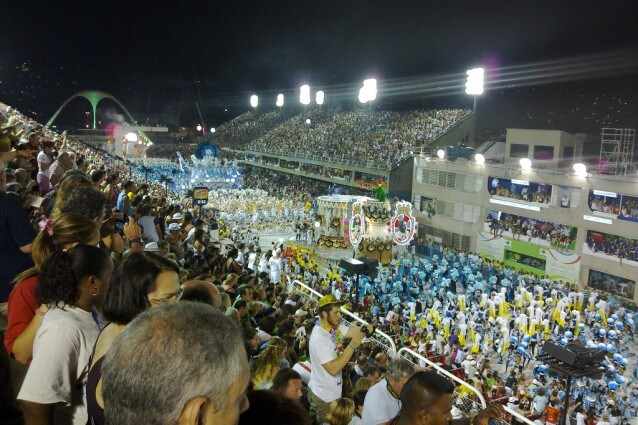 Parata dei carri al Carnevale di Rio (foto di IK's World Trip).