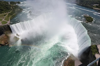 Lo spettacolo mozzafiato delle Cascate del Niagara (FOTO)