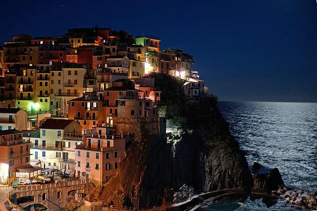 Manarola di notte, La Spezia.