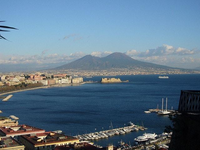 Vista del Vesuvio dalla città