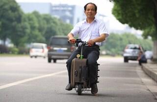 Dalla valigia scooter al bidet portatile, i gadget da viaggio più originali