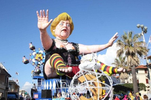 La Grande madre Angela Merkel (Foto LaPresse).