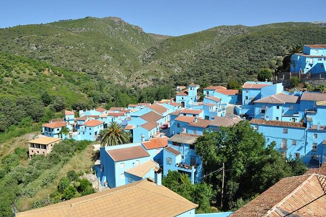 Júzcar, città blu in Andalusia