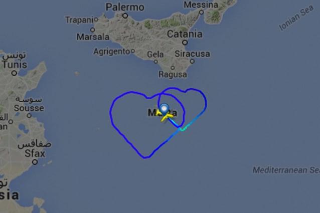 I cuori tracciati da Flightradar24.