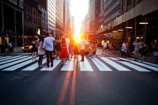 Manhattanhenge, il bacio del sole ai grattacieli di New York [FOTO]
