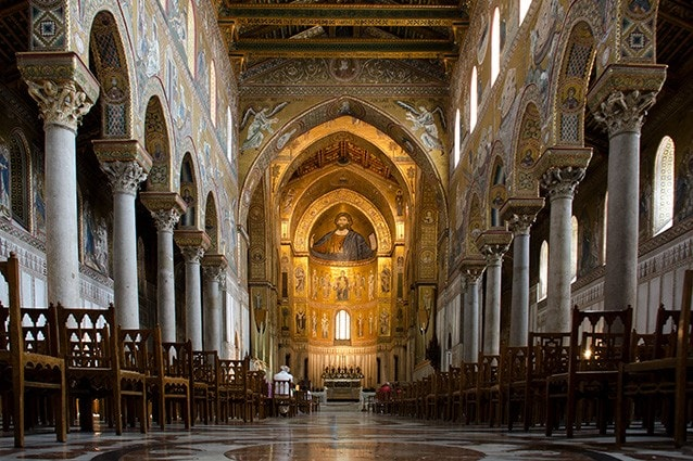 All'interno del Duomo di Monreale (@Wikipedia).