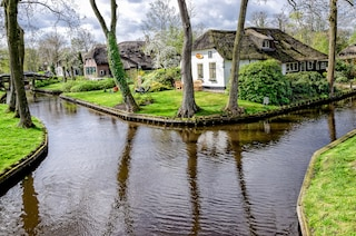 Giethoorn, la città senza strade in Olanda