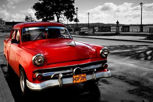"""Una delle auto """"anni Sessanta"""" di Cuba."""